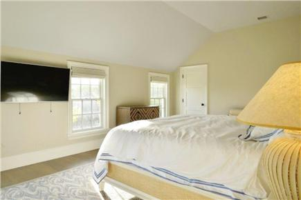 Nantucket town, Cliff Road Nantucket vacation rental - Master bedroom with king bed and great afternoon sunlight