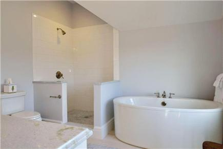 Nantucket town, Cliff Road Nantucket vacation rental - Master bathroom with shower and bath