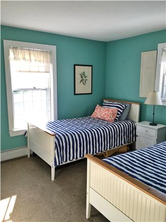 Mid-island, Naushop Nantucket vacation rental - Twin Bedroom