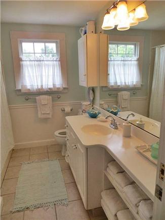 Nantucket town Nantucket vacation rental - Full bath with tub.