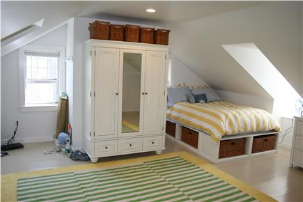 Nantucket town, (Near Town and Steps Beach) Nantucket vacation rental - 3rd Floor Bedroom (Queen Bed)