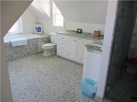 Dionis Nantucket vacation rental - Bathroom with Tub