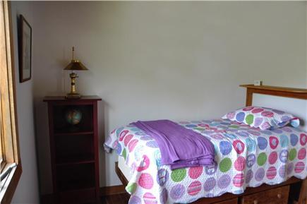 Surfside Nantucket vacation rental - First floor bedroom with one twin bed