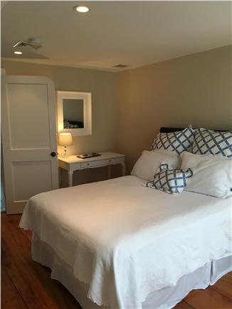 Nantucket town Nantucket vacation rental - Second floor Queen bedroom