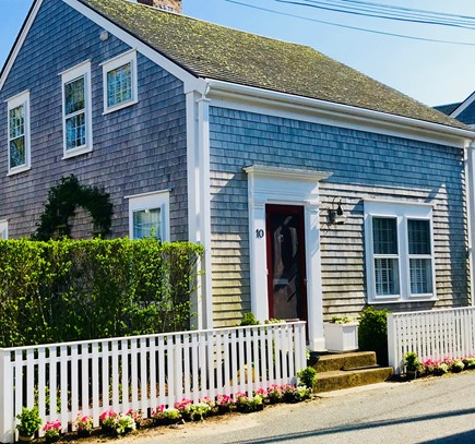Nantucket town Nantucket vacation rental - Updated, spacious perfect in town location on quiet Weymouth Lane