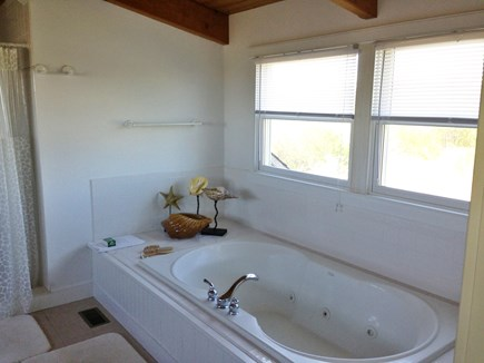 Brant Point Nantucket vacation rental - 3rd Floor Master King Suite Jacuzzi