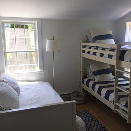 Nantucket town Nantucket vacation rental - Bunk room with daybed