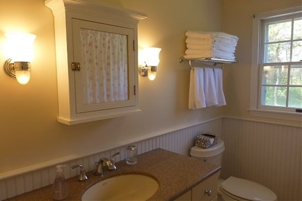 Dionis Nantucket vacation rental - Full Bathroom (shower and Tub)