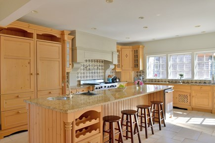 Madaket, Cliff Nantucket vacation rental - Custom-built kitchen with viking range