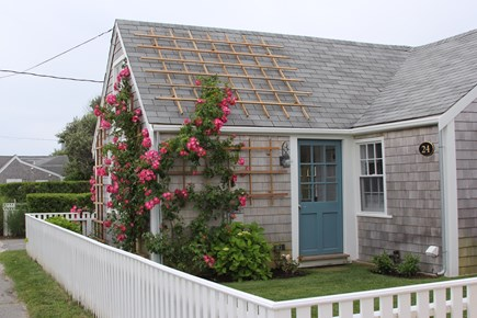 Siasconset Nantucket vacation rental - Rose Covered Cottage