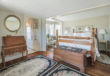Quidnet Nantucket vacation rental - Queen Guest Suite