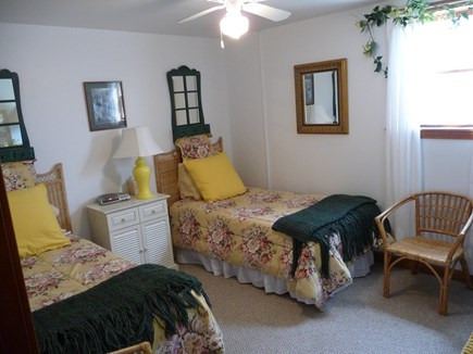 Nantucket town, Edge of Town Nantucket vacation rental - Lower level twin bedroom # 1