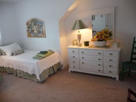Nantucket town, Edge of Town Nantucket vacation rental - Second floor twin bedroom.