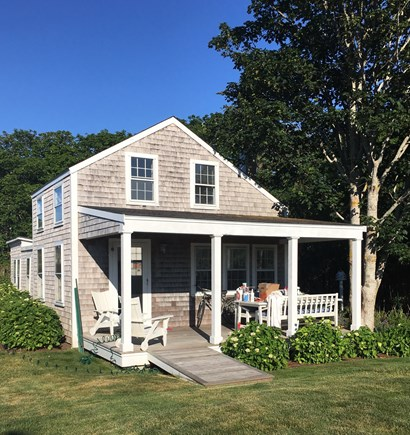 Siasconset Nantucket vacation rental - Front of the cottage.