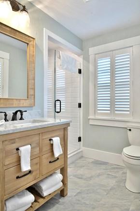 Nantucket town, Nantucket Nantucket vacation rental - Downstairs Queen Full Bathroom