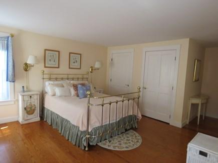 Mid-island, Naushop Nantucket vacation rental - Queen bedroom