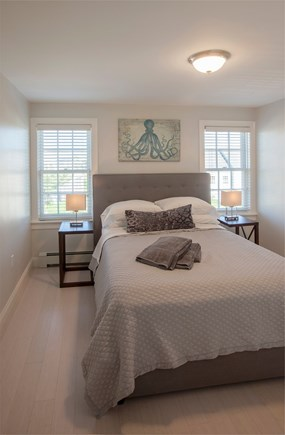Nantucket town, Nantucket Nantucket vacation rental - 2nd floor guest suite with queen and full bath. Shower and tub.