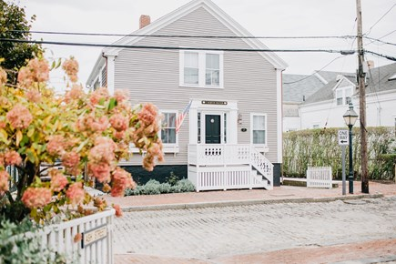 Nantucket town, NANTUCKET Nantucket vacation rental - Front of House