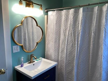 Nantucket Town  Nantucket vacation rental - Beautiful updated full bath