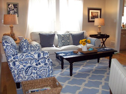 Nantucket Town, Orange Street Nantucket vacation rental - Comfortable living room with flat screen TV and library of books