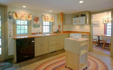 Nantucket town Nantucket vacation rental - Fully equipped kitchen with breakfast nook