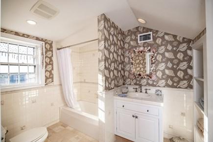 Tom Nevers Nantucket vacation rental - 3rd Floor Bathroom