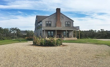 Tom Nevers Nantucket vacation rental - Long circular driveway