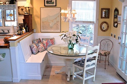 Nantucket town Nantucket vacation rental - Sunny banquette dining area with built in storage