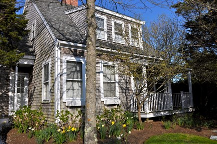 Nantucket town Nantucket vacation rental - 1500 sq. ft. home, air conditioned, 2 bedrooms, 2 baths, sleeps 5