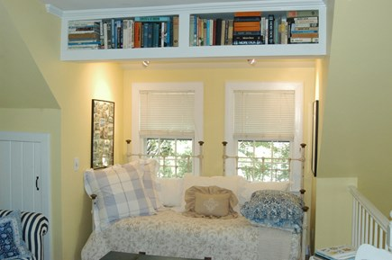 Nantucket town Nantucket vacation rental - Den w/ daybed & sofa bed,