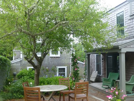 Nantucket town, In Town Nantucket vacation rental - House & Cottage Wyer's Lane view (3rd terrace area)
