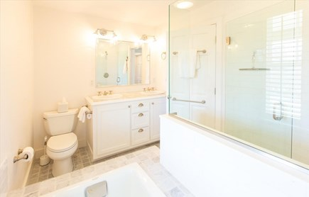 Cisco - Miacomet Nantucket vacation rental - Master Bath