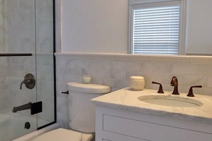 Nantucket town Nantucket vacation rental - Queen en suite bath