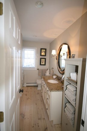 Nantucket town Nantucket vacation rental - Bathroom