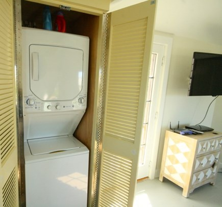 Madaket, Nantucket Nantucket vacation rental - Stackable laundry