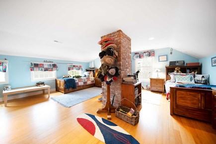 Mid-island, Naushop Nantucket vacation rental - Kids room with twin beds