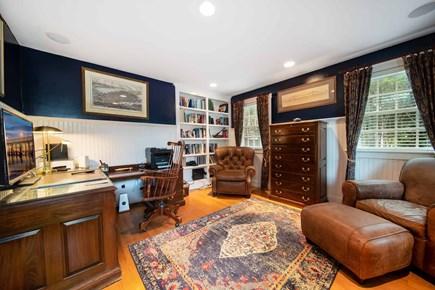 Mid-island, Naushop Nantucket vacation rental - Private den/ office