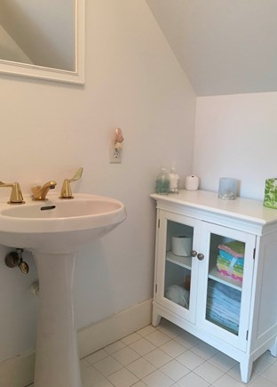 Surfside Nantucket vacation rental - The loft boasts a half bath for guest privacy