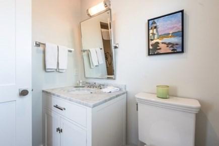 Nantucket town Nantucket vacation rental - En-suite 2nd Floor Guest Room Bath.