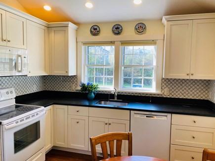 Nantucket town Nantucket vacation rental - New marble backsplash