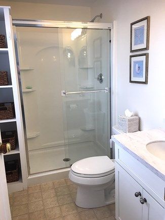 Nantucket town Nantucket vacation rental - Full Hallway Bath (child blow up tub available)