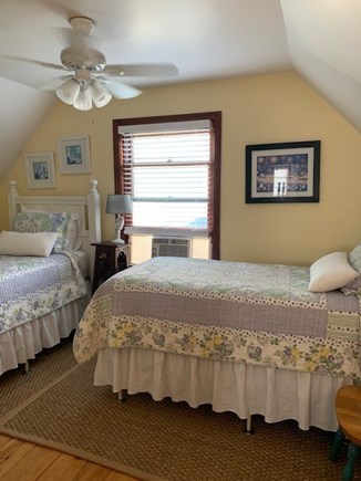 Mid-island Nantucket vacation rental - Twin bedroom, 2nd floor