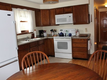 Mid-island Nantucket vacation rental - Kitchen