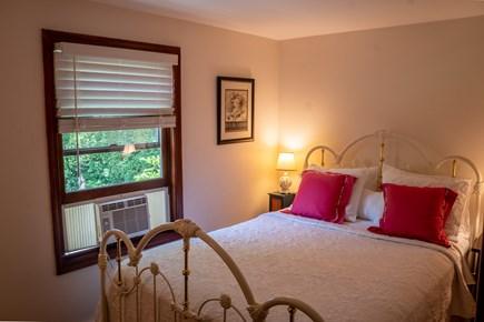 Mid-island Nantucket vacation rental - Bedroom