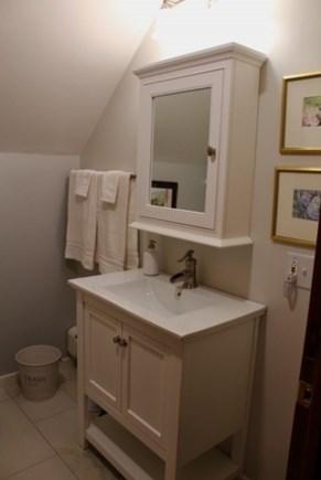 Mid-island Nantucket vacation rental - Bathroom, 2nd floor