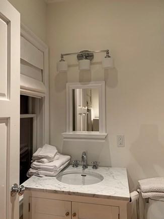 Cisco - Miacomet, Cisco ACK House Nantucket vacation rental - En Suite bathroom for Queen bedroom