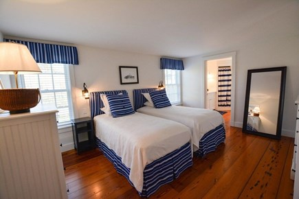 Nantucket town, Lincoln Circle Neighborhood Nantucket vacation rental - First floor bedroom suite with twin beds