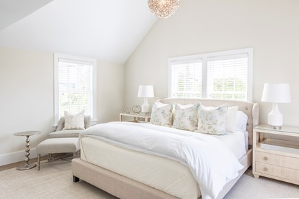 Nantucket town, Cliff area Nantucket vacation rental - Bedroom 1: King,TV, Sonos, 2 walk-in closets, attached bathroom
