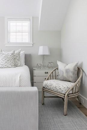 Nantucket town, Cliff area Nantucket vacation rental - Bedroom 2: King,TV, Sonos, 2 walk-in closets, attached bathroom