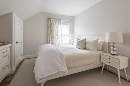 Nantucket town, Cliff area Nantucket vacation rental - Queen bedroom: TV, attached bath w/custom shower
